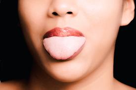 痛い だ 舌 噛ん